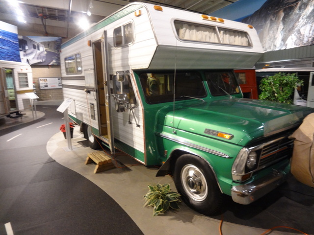 Vintage Campers At The Rv Hall Of Fame 18 The Touring Camper